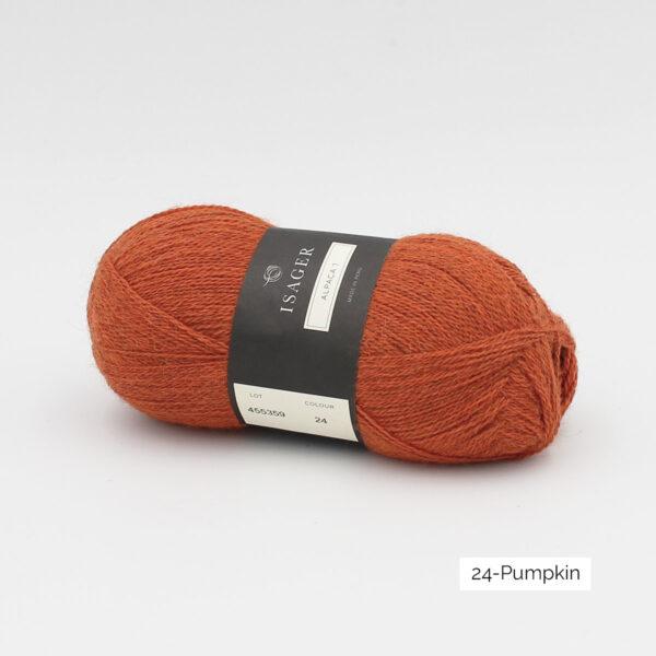 Une pelote d'Alpaca1 d'Isager coloris Pumpkin (orange)