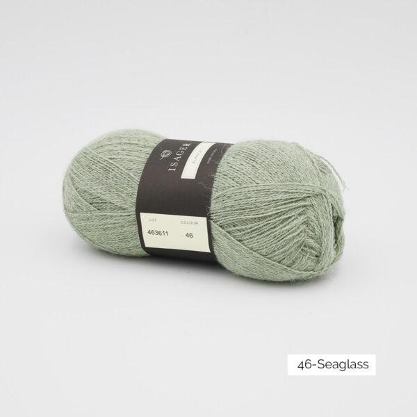 Une pelote d'Alpaca1 d'Isager coloris Seaglass (vert d'eau)