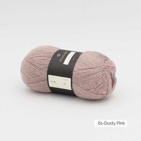 Une pelote d'Alpaca1 d'Isager coloris Dusty Pink (rose pâle grisé)