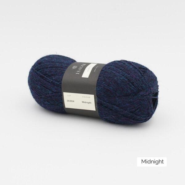 Une pelote d'Alpaca1 d'Isager coloris Midnight (bleu nuit)