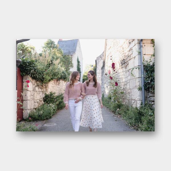 """Photo des modèles """"Duo Amies"""" du livre Tricot Duos de Lainamourée"""