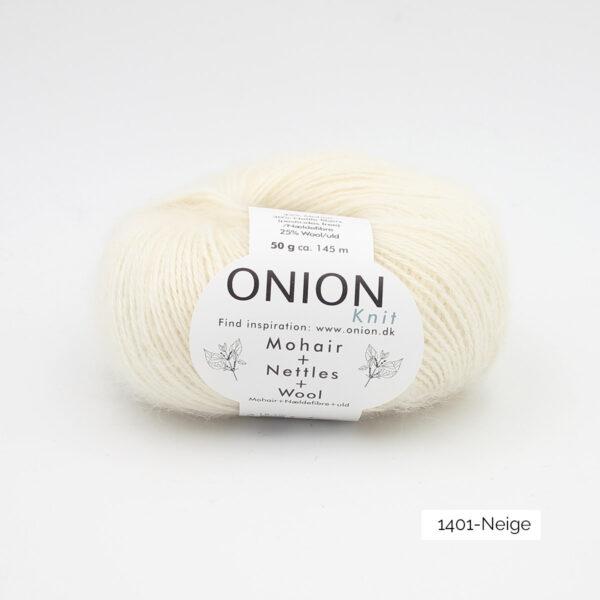 Une pelote de Mohair + Nettles + Wool d'Onion dans le coloris Neige