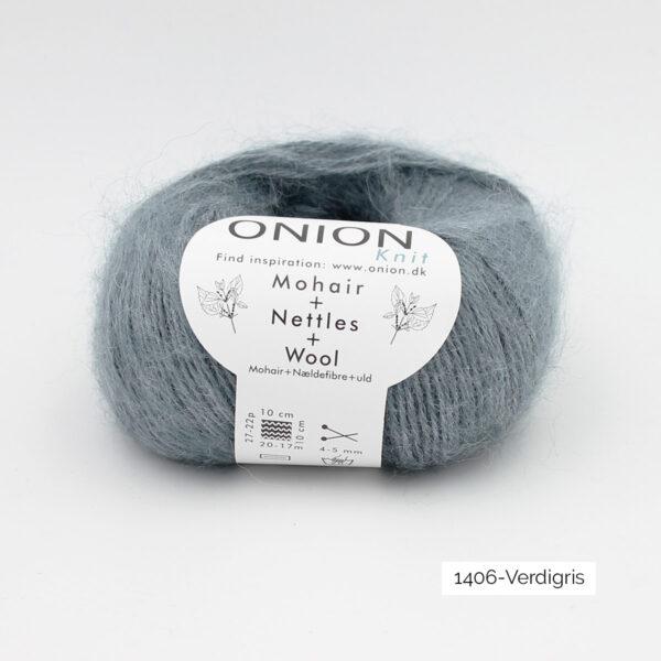 Une pelote de Mohair + Nettles + Wool d'Onion dans le coloris Verdigris