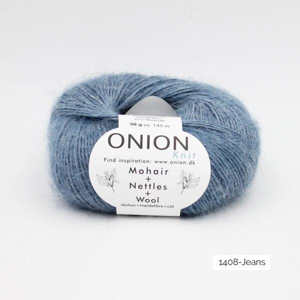 Une pelote de Mohair + Nettles + Wool d'Onion dans le coloris Jeans