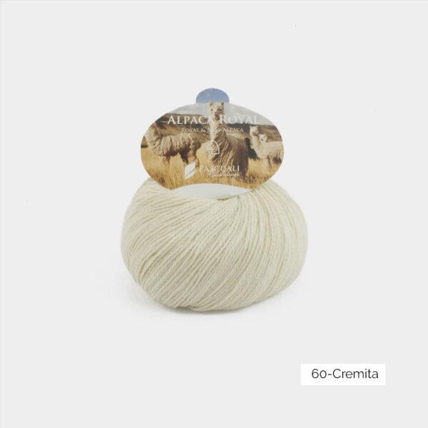 Une pelote d'Alpaca Royal de Pascuali coloris Cremita (écru)