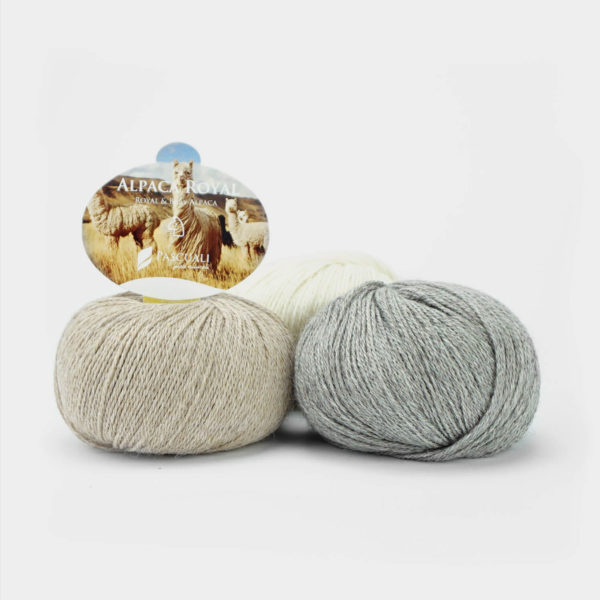 Trois pelotes d' Alpaca Royal de Pascuali dans des coloris assortis