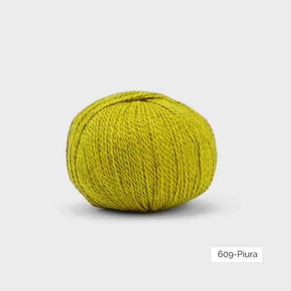 Une pelote de Balayage de Pascuali dans le coloris Piura (vert anis)