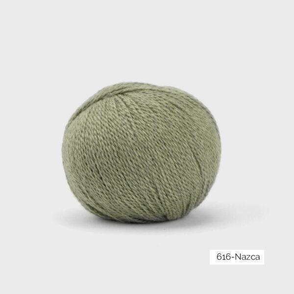 Une pelote de Balayage de Pascuali dans le coloris Nazca (kaki)