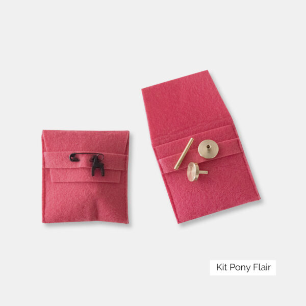 Display of two small felted pouches to keep the Pony needles sets accessories