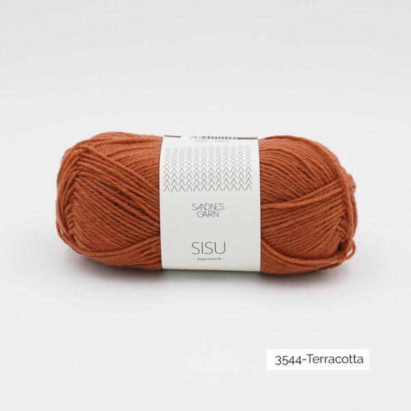 Une pelote de Sisu de Sandnes Garn, laine à chaussettes, dans le coloris Terracotta