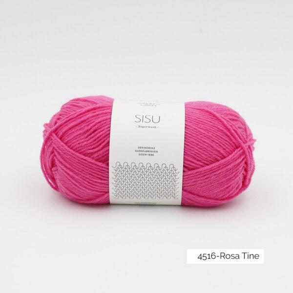 Une pelote de Sisu de Sandnes Garn, laine à chaussettes, dans le coloris Rosa Tine (rose vif)