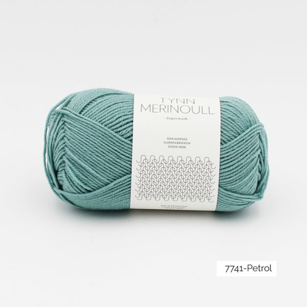 Une pelote de Tynn Merinoull de Sandnes Garn coloris Petrol (turquoise clair)