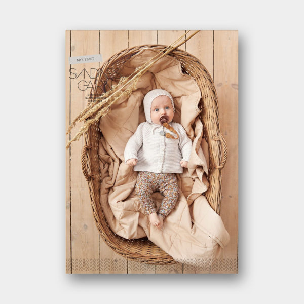 Couverture du catalogue de patrons de tricot pour Bébés de Sandnes Garn n°2014