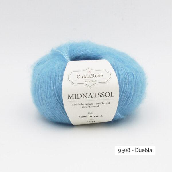 Une pelote de Midnatssol de CaMaRose coloris Duebla (bleu ciel)