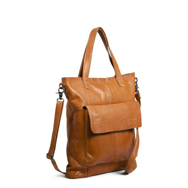 Présentation du sac à bandoulière Arendal de la marque Muud, en cuir coloris Whisky