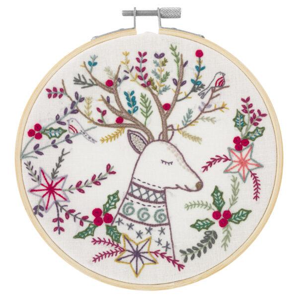 """Présentation du motif du kit de broderie sur le thème de Noël """"Le Roi de la Forêt"""" du Chat dans L'Aiguille"""