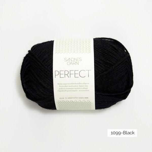 Une pelote de Perfect de Sandnes Garn coloris Black (noir)