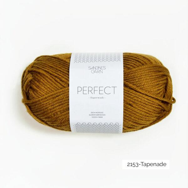 Une pelote de Perfect de Sandnes Garn coloris Tapenade (vert olive)
