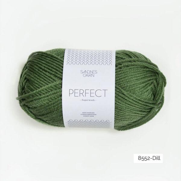 Une pelote de Perfect de Sandnes Garn coloris Dill (vert mousse)