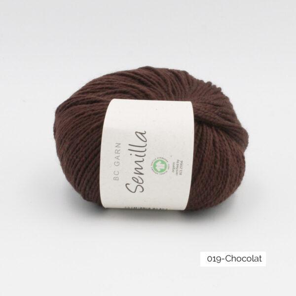 Une pelote de Semilla GOTS de BC Garn coloris Chocolat