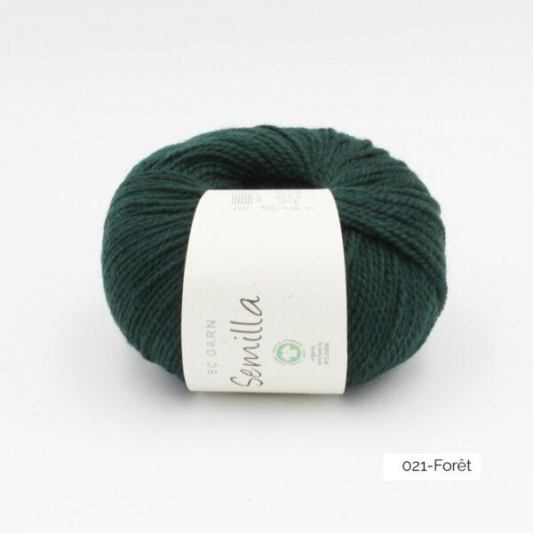Une pelote de Semilla GOTS de BC Garn coloris Forêt
