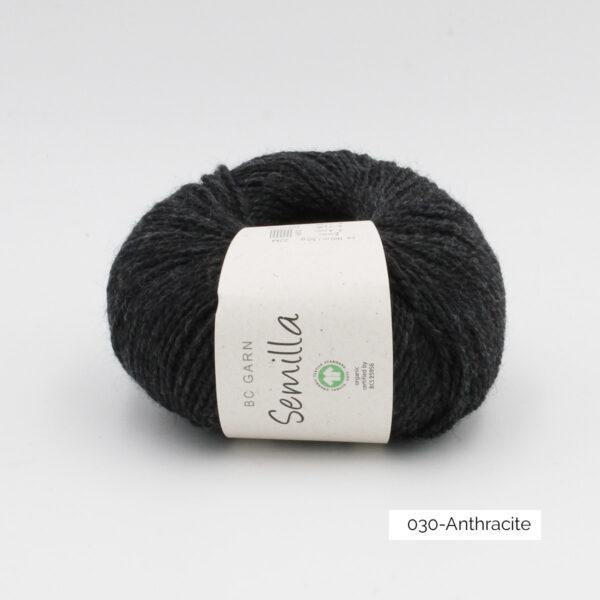 Une pelote de Semilla GOTS de BC Garn coloris Anthracite