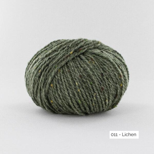 Une pelote de Super Tweed de Fonty en coloris 011 (lichen)