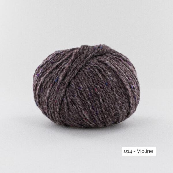 Une pelote de Super Tweed de Fonty en coloris 014 (violine)