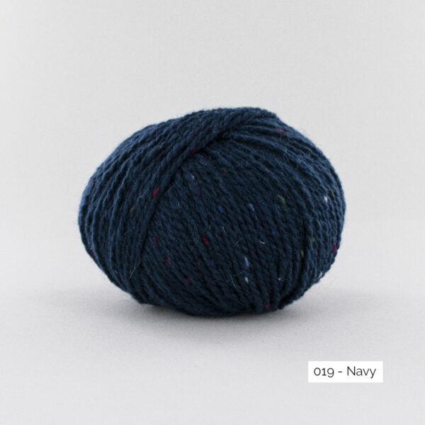 Une pelote de Super Tweed de Fonty en coloris 019 (navy)