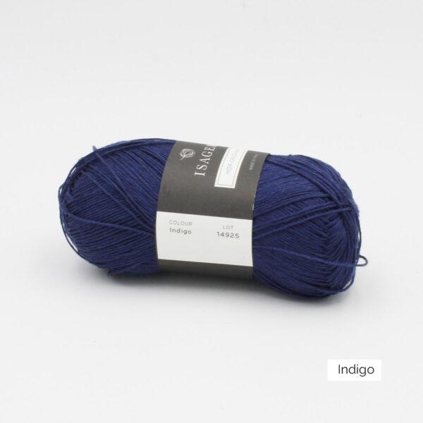 Une pelote de lin à tricoter Hor d'Isager coloris Indigo