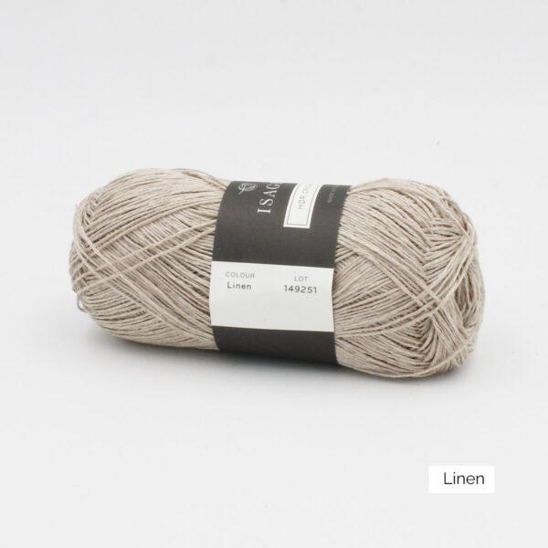 Une pelote de lin à tricoter Hor d'Isager coloris Linen