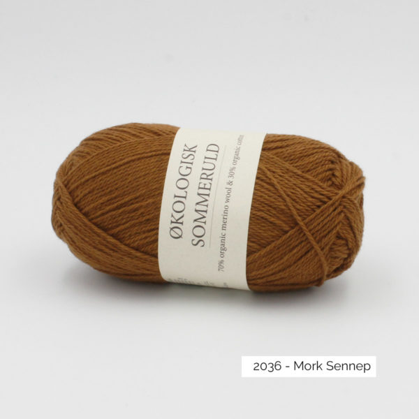 Une pelote de Okologist Sommeruld de CaMaRose coloris Mork Sennep