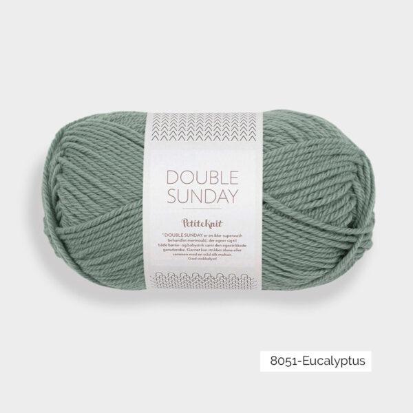 Une pelote de Double Sunday de Sandnes Garn coloris Eucalyptus
