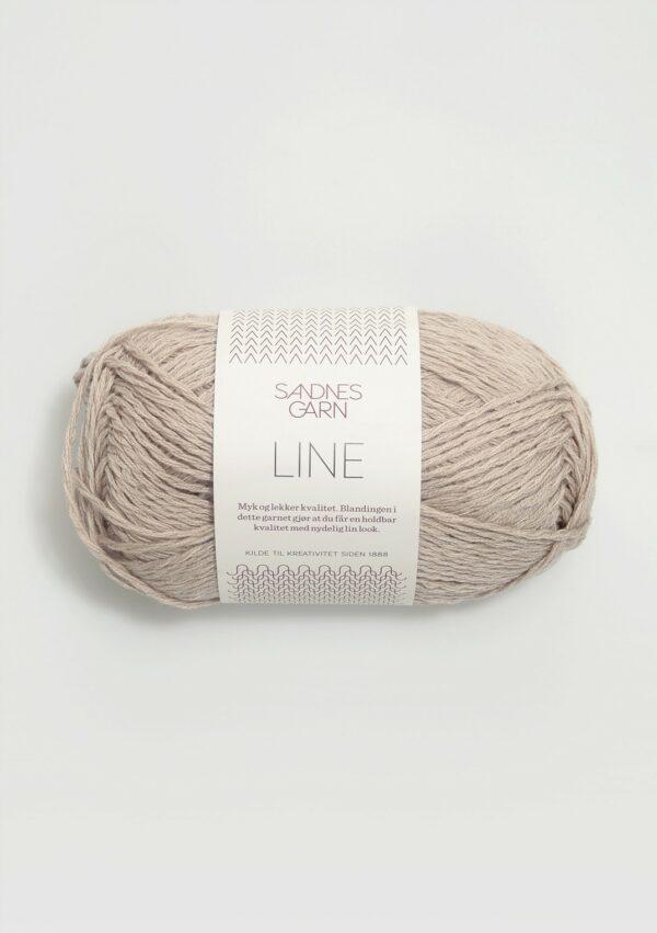 Une pelote de Line de Sandnes Garn coloris Lys Beige (beige clair)