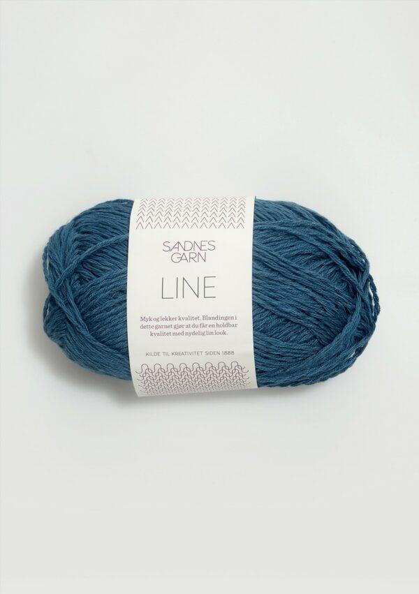 Une pelote de Line de Sandnes Garn coloris Petrol (bleu pétrole)