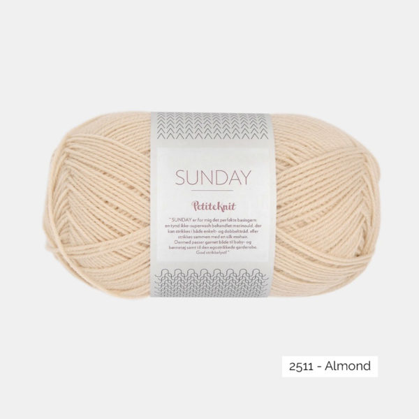 Une pelote de Sunday de Sandnes Garn coloris Almond