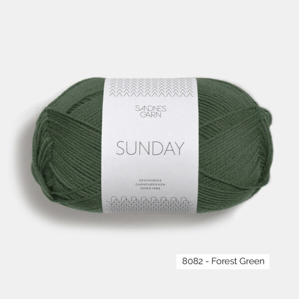 Une pelote de Sunday de Sandnes Garn coloris Forest Green