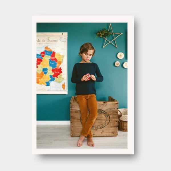 Présentation du modèle de pull pour enfant proposé dans le livre de Nadège Chenu, Je tricote mon premier pull en circulaire