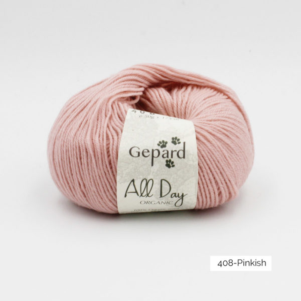 Une pelote de All Day Organic de Gepard Garn dans le coloris Pinkish