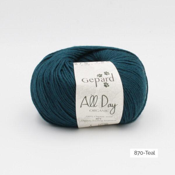 Une pelote de All Day Organic de Gepard Garn dans le coloris Teal