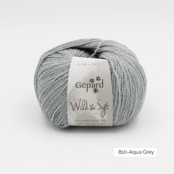 Une pelote de Wild & Soft de Gepard Garn coloris Aqua Grey